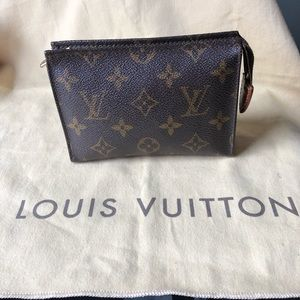 💯AUTH LOUIS VUITTON VINTAGE SMALL TOILETRY POUCH
